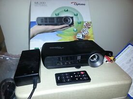 Optoma ML 300 LED Projector portable Micro HDMI VGA USB office Document viewer