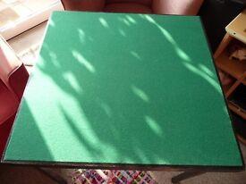CARD TABLE FOLDS FLAT