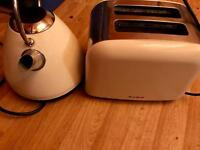 Breville Toaster and Kettle.
