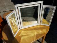 Triple folding mirror can deliver