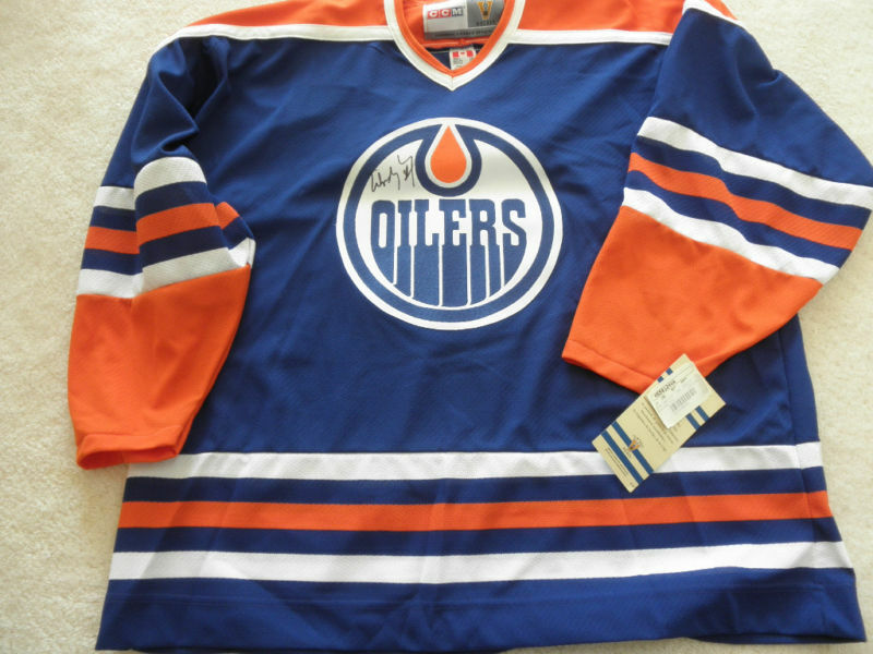 OILERS/WAYNE GRETZKY SIGNED JERSEY COA + PROOF! EDMONTON THE GREAT ONE
