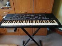 Yamaha PSR-410 keyboard + stand