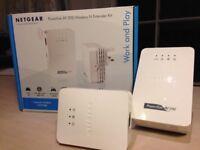 Netgear Powerline AV 200 Wireless-N Extender Kit (XAVNB2001) - Extend the range of your wifi