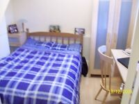 ***Spacious Single Room with A DOUBLE BED-WIFI (All Bills Included )***