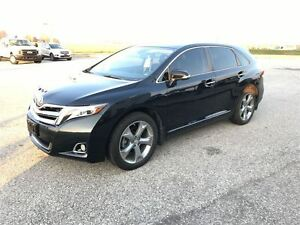 2014 Toyota Venza Limited AWD  dual panel moonroof Navigation Windsor Region Ontario image 9