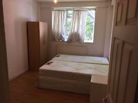 OUR ROOM IN CAMDEN TOWN !! PERFECT FOR 2 FRIENDS OR FOR A COUPLE !! ALL BILLS INC