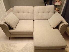 Sofa, 3 seaters with a chasie section