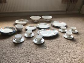 Arcapol, France 'Florine' Scolloped Rim Dinner Service. All pieces in VGC.