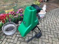 Superb Power Base 1800w 35mm Garden Shredder