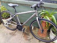 Trek lightweight aluminium hybrid bike in superb condition & in perfect working order.