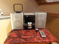 HiFi System - 5 disc CD player, radio, MP3 player - with remote control