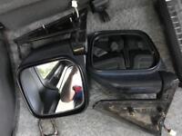 Black side mirrors for Mitsubishi Pajero Shogun