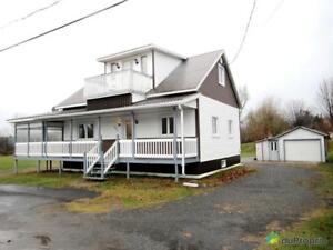 96 000$ - Maison à un étage et demi à vendre à Manseau
