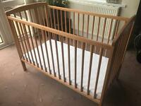 Babies/Infats Cot *VERY GOOD CONDITION*