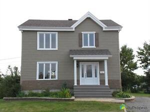 259 000$ - Maison 2 étages à vendre à Mont-Joli