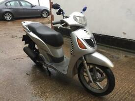 FULLY WORKING 2001 Honda Sh 125cc learner scooter 125 cc with 1 year mot.