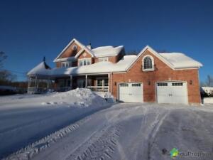695 000$ - Maison 2 étages à vendre à St-Charles-Borromée
