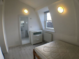 Newly refurbished One Bedroom flat. Zone One (SW5). ALL INCLUSIVE