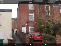 4 room student let,Cromwell Street,walkable to City Centre,85 PPPW,two toilets,two showers,