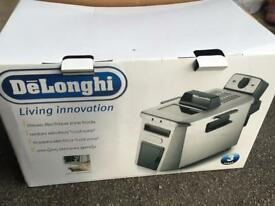 DeLonghi fryer for sale/ used/ good condition and clean home/£9.99