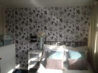 CHELTENHAM-Double room to rent