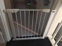 Child baby gate