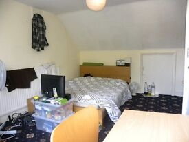 *** 6 Double Bedroom, 2 Bathroom House In Se5 Available Early August - Perfect For Students ***