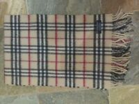 BURBERRY LONDON 100% Lambswool Fringed Scarf