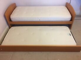 Excellent condition SINGLE bed WITH PULL OUT BED underneath