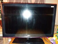 LG 28 inch LCD TV- full working order, no remote
