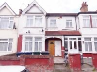 Audley Road Hendon - Ground Floor Flat Newly Decorated with Garden