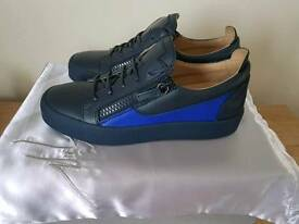 Giuseppe mens trainers size 6