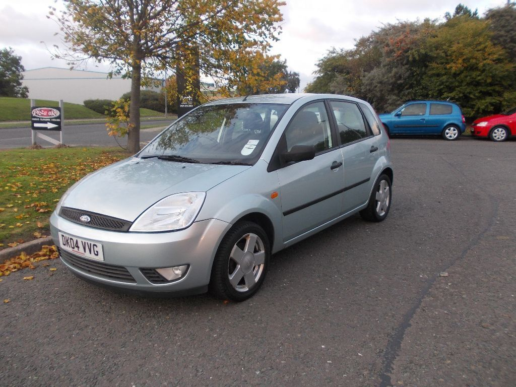 ford fiesta zetec 5 door hatchback stunning 2004 bargain. Black Bedroom Furniture Sets. Home Design Ideas