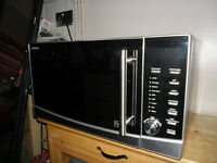 KENWOOD 1000 WATT STAINLESS STEEL MICROWAVE/COMBINATION OVEN and GRILL