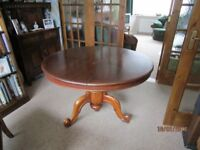 Mahogany Dining Table, Round with Centre Pedastal