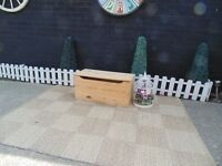 PINE BLANKET BOX VERY SOLID BOX AND IN EXCELLENT CONDITION 74/33/34 cm £25