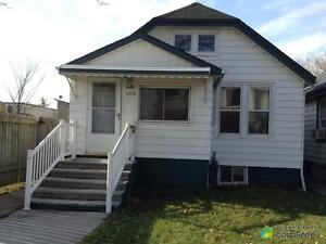 $99,000 - Bungalow for sale in Windsor