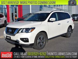 2017 Nissan Pathfinder SL 4WD | Leather, Htd Seats, Rear Camera