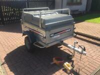Erde 142 trailer with ABS Lid and roof bars