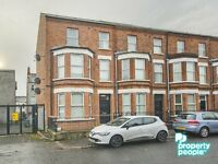 Two bedroom first floor apartment excellent condition lovely location £450.00 Immediate move in