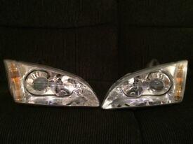 Focus ST 2 Headlamps -Pair