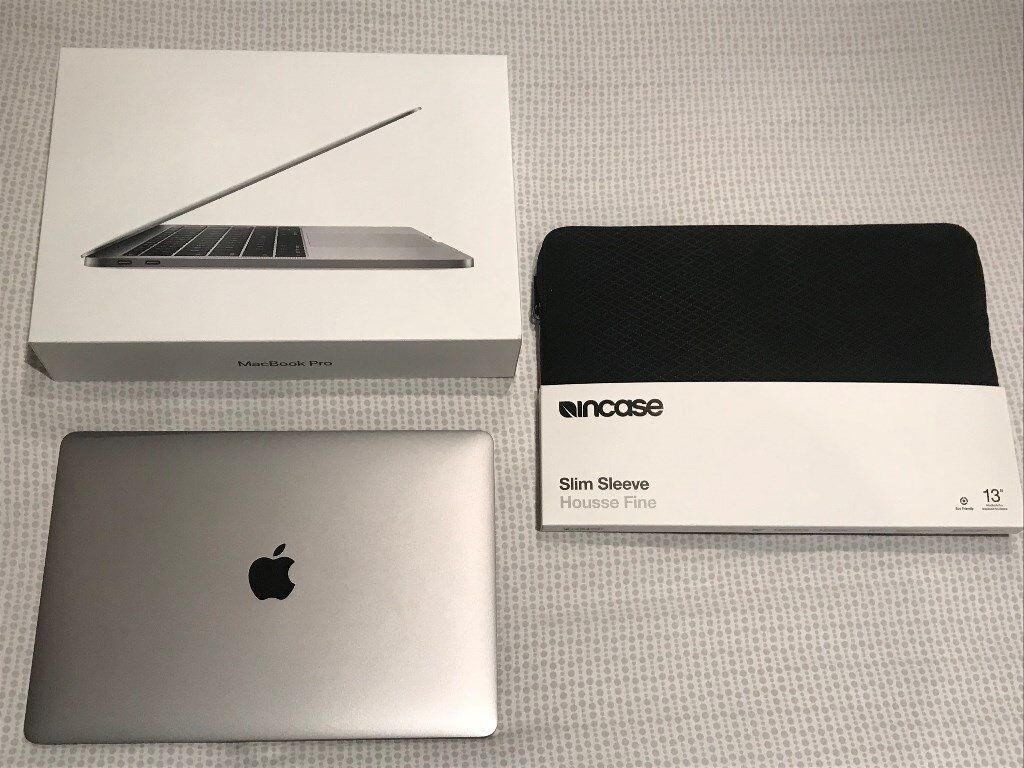 APPLE MACBOOK PRO (**NEW **Latest 2017 Model) Comes with case - value £1300