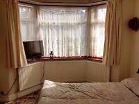 single room still available in 80 macdonald road