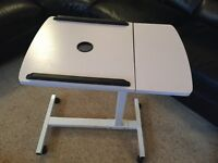 Laptop / Projector table stand