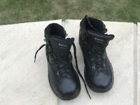Walking boots size 6 as new