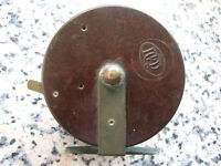 """PEGLEY DAVIES Quality """"FLY"""" Fishing Reel 4 inch in BAKELITE c1950's - Superb"""