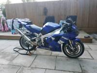 Yamaha R1 4xv