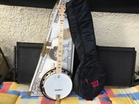 Deering goodtime 2 resonator banjo and gigbag