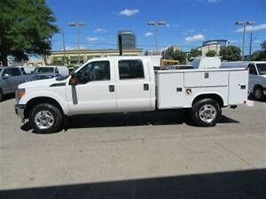2016 Ford F-350 Crew Cab 4x4 Gas with reading steel  service box
