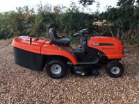 HUSQVARNA CT 151 RIDE ON MOWER WITH GRASS COLLECTOR